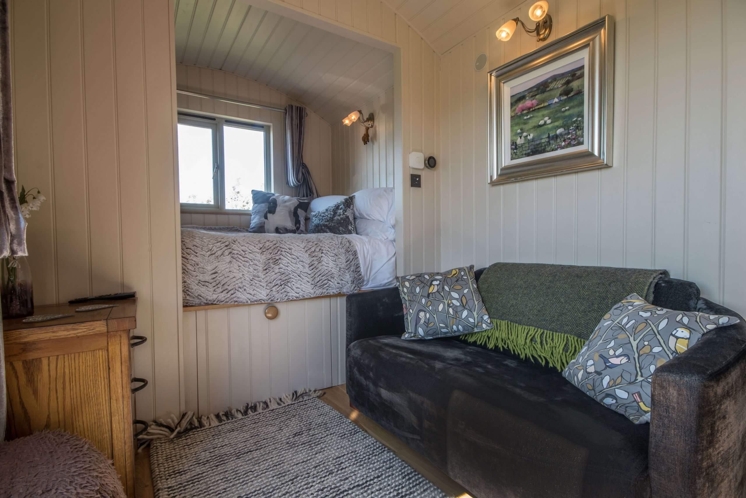 Erics Hut Inside 2